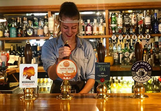 Pubs and Restaurants: Equipping Your Staff For Re-Opening | Reusable Visors